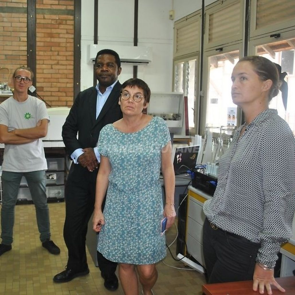 Visit of the Minister of Overseas